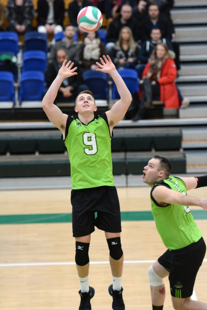 cascades sweep past blues in three straight sets ufv cascades. Black Bedroom Furniture Sets. Home Design Ideas