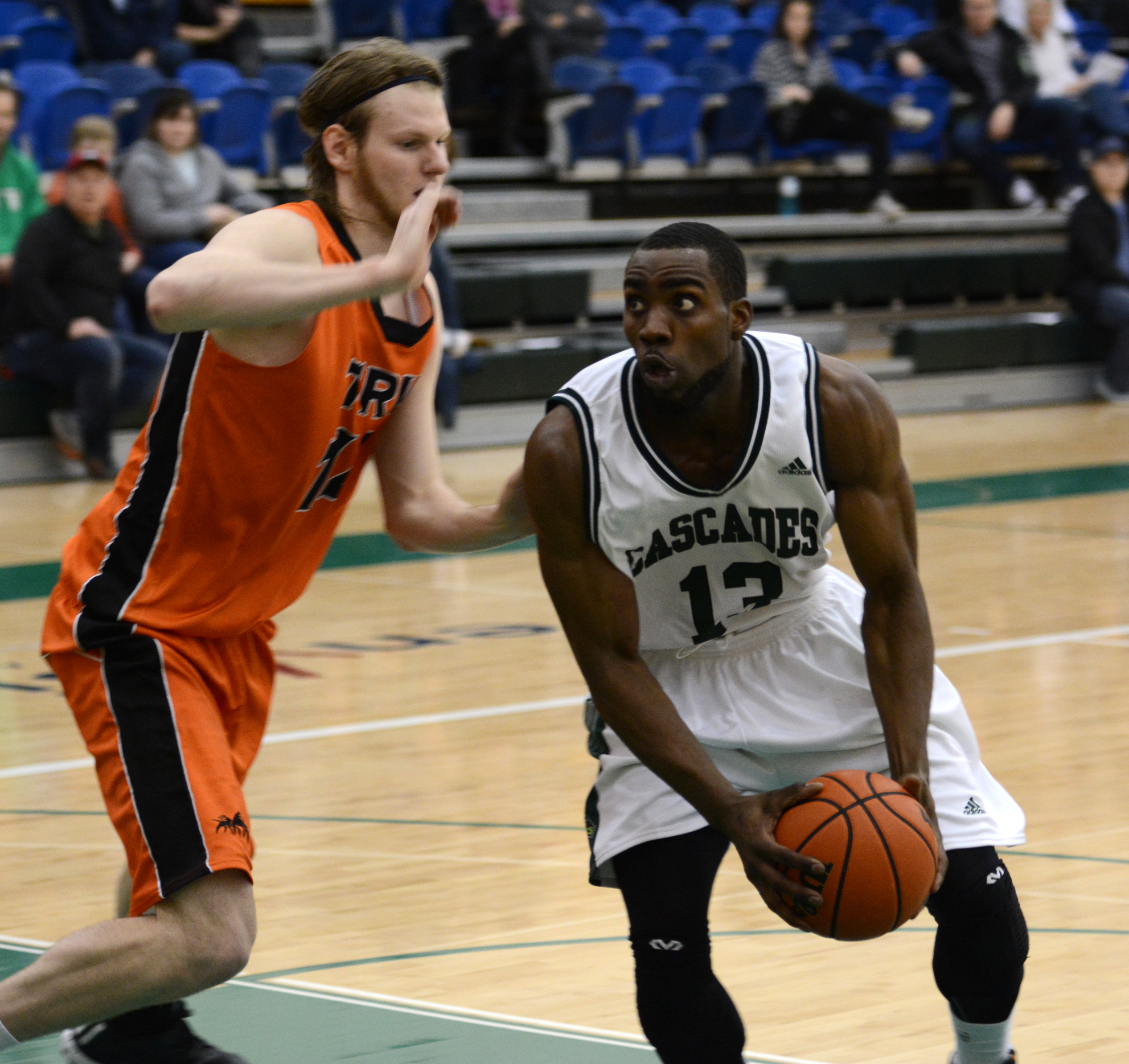 Kadeem Willis and the Cascades take on the Calgary Dinos in the Canada West quarter-finals this weekend at home.