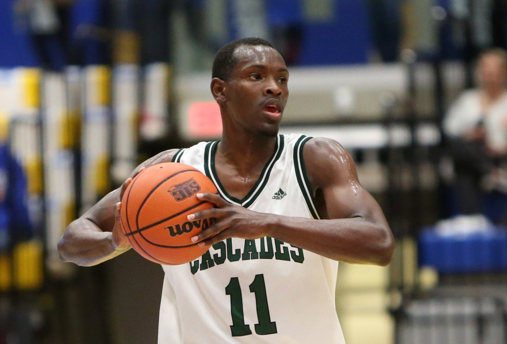 Kevon Parchment scored a team-high 18 points as the Cascades men's basketball team took the powerhouse Carleton Ravens down to the wire on Saturday. (Victoria Vikes sports information photo)