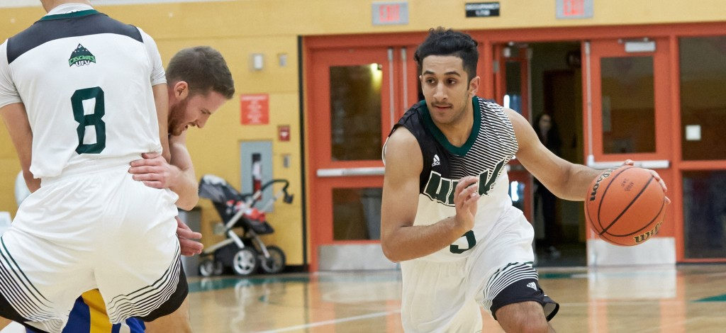 Cascades fend off Griffins' fourth-quarter rally, win 80 ...