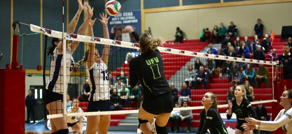 Kelly Robertson takes a swing against the Capilano Blues during Saturday's PacWest bronze medal game. (Photos courtesy CBC Bearcats)
