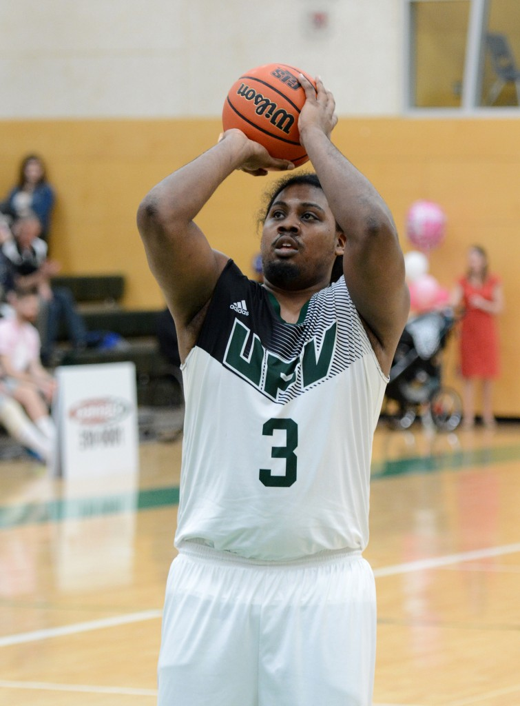 Nate Brown scored 10 points in Saturday's road loss to MRU.