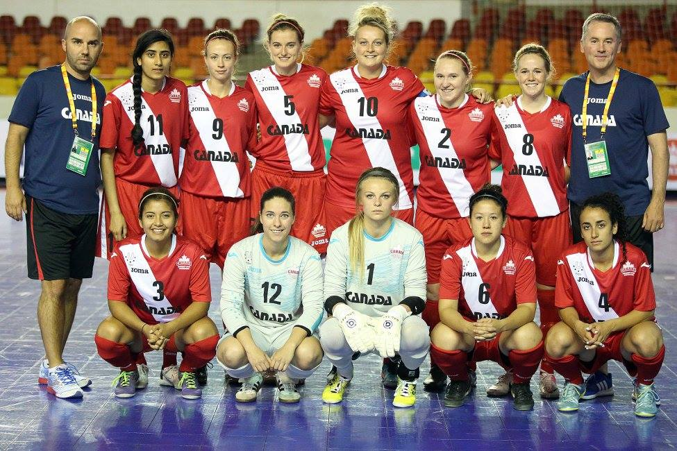 Shelby Beck (2) poses with her Team Canada mates prior to their first game at the World University Futsal Championship. (FotoJump / wucfutsal2016.com)