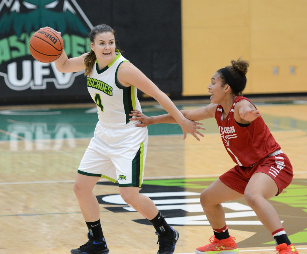 Sophomore point guard Kate Head and the Cascades women's basketball team hung tough against the Wisconsin Badgers in their preseason opener on Wednesday.