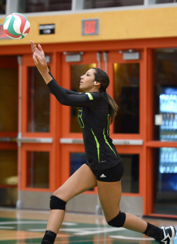 Keira Fisher had a strong performance at the service line for UFV. (Cascades file photo)