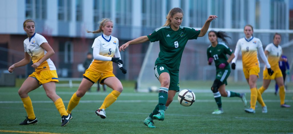 With two goals on Friday vs. UVic, Monika Levarsky has 10 on the season, tied for first in Canada West. (Armando Tura / Victoria Vikes photos)